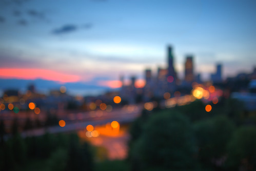 bokeh outoffocus seattle cityscape sunset downtown pacificnorthwest canon pnw lights canoneos5dmarkiii sigma35mmf14dghsmart johnwestrock washington