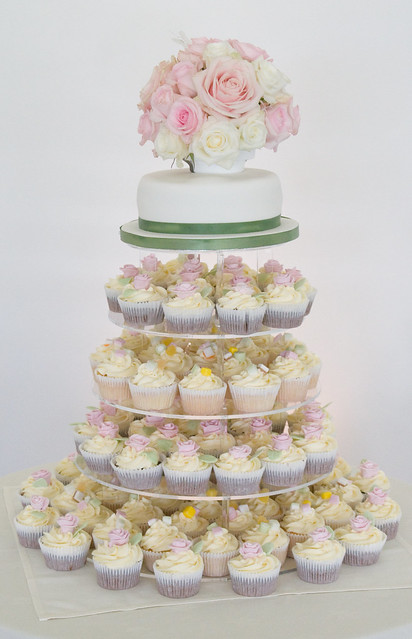 English Country Garden Wedding Cupcakes