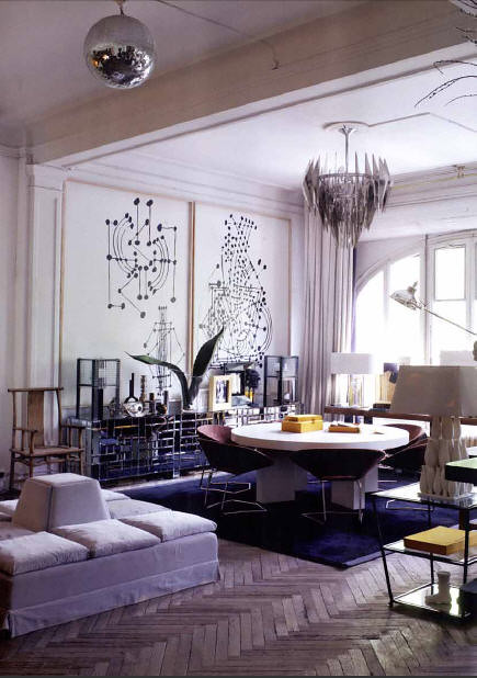 Lazaro Rosa Violan via Australian Vogue Living {gray and white mid-century art deco modern living room}
