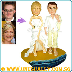 Custom Smart Dressing Couple Figurines