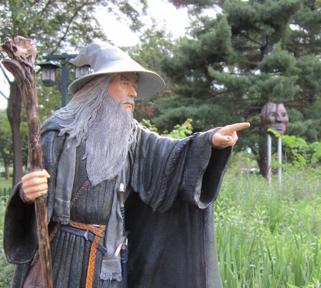 Gandalf points out the mask of Chief Little Crow at Minnehaha Park, Minneapolis, MN