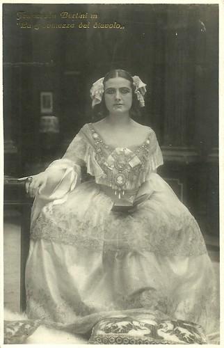 Francesca Bertini in La giovinezza del diavolo