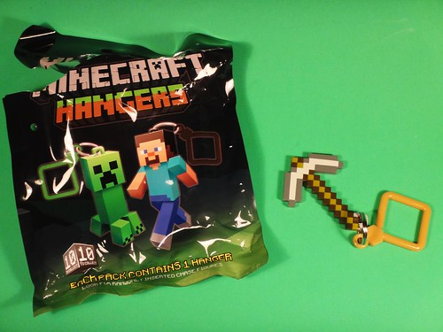 Loot Crate May 2014 - Adventure Minecraft hanger