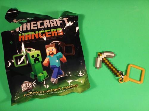 Loot Crate May 2014 - Adventure Minecraft hanger