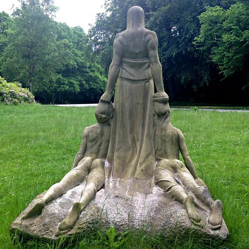 Das Schicksal Statue Ohlsdorf