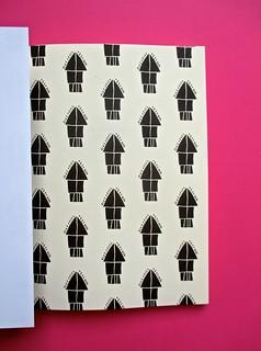 Romanzi, collana di Tunué edizioni. Progetto grafico di Tomomot; impaginazione di TunuéLab. Risvolto della copertina, carta di guardia [Peter] (part.), 1