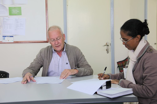 Farm Radio Int representative in Ethiopia signs agreement with ILRI/IPMS