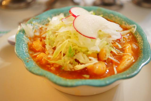 Pozole rojo con pollo de La Casa de Toño en Clavería, México D.F ...