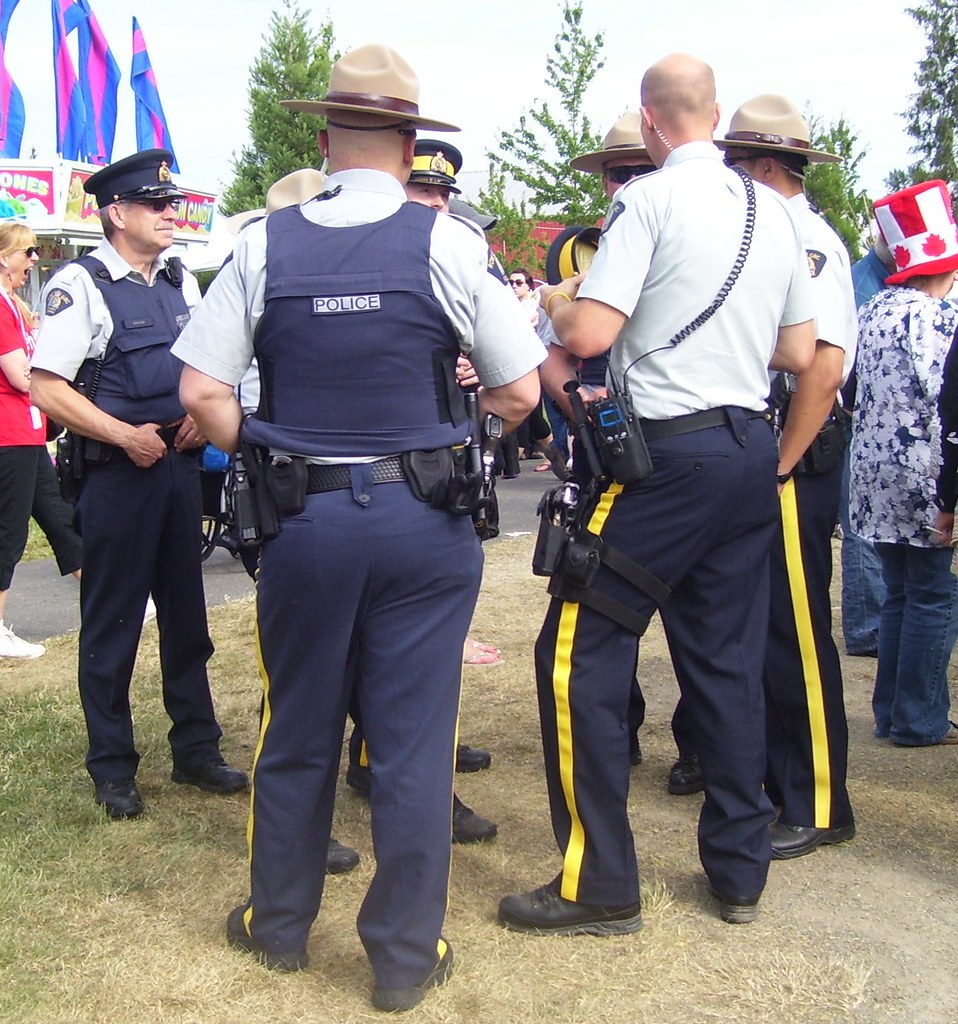 RCMP hat protocol - General   Miscellaneous Discussion - LCPDFR.com 4b3ee41ca87