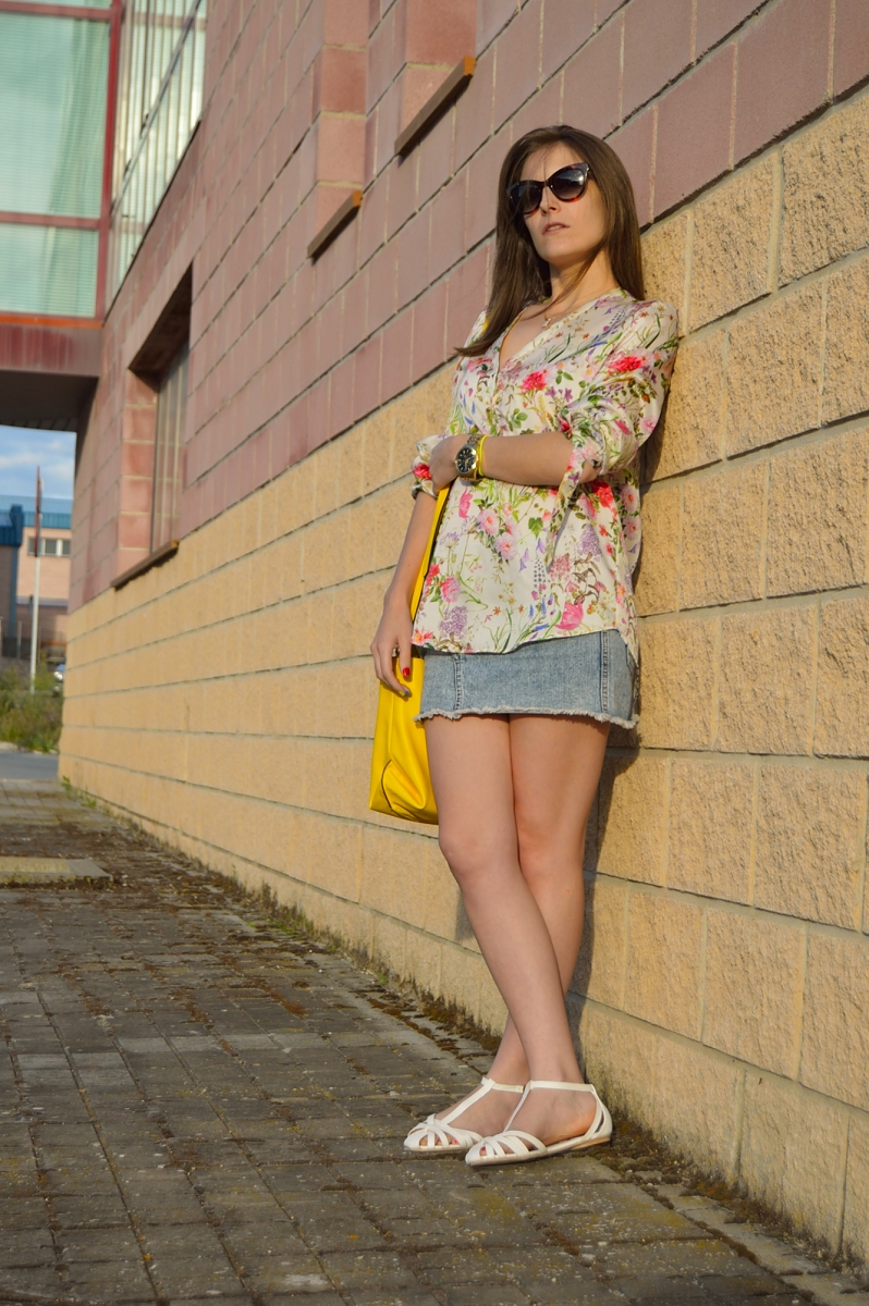 lara-vazquez-madlula-blog-fashion-trends-spring-yellow-flowers