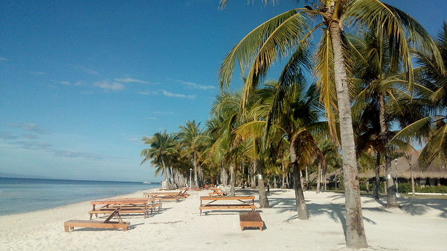 CAPTURED BY KATA M1. A beautiful view of Bohol Beach Club beach front.