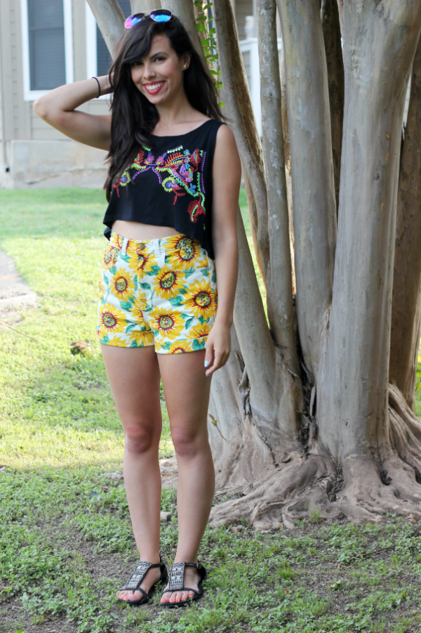 sunflower shorts, austin texas style blogger, austin fashion blogger, austin texas fashion blog