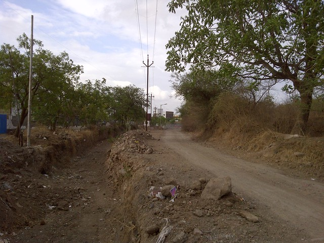 Kacha Road to Amit's Sereno, 2 BHK & 3 BHK Flats near Pancard Clubs, Baner Pune 411045