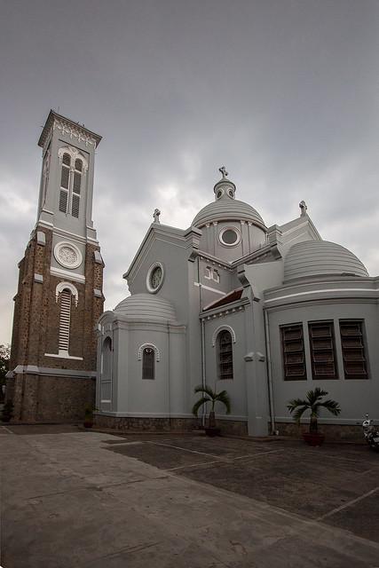 Hanh Thong Tay Church 11