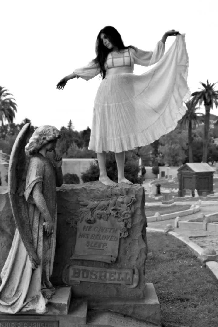 Daryl Darko Barnett, Wintre, Cemetery Girl, 17. Oktober 2009