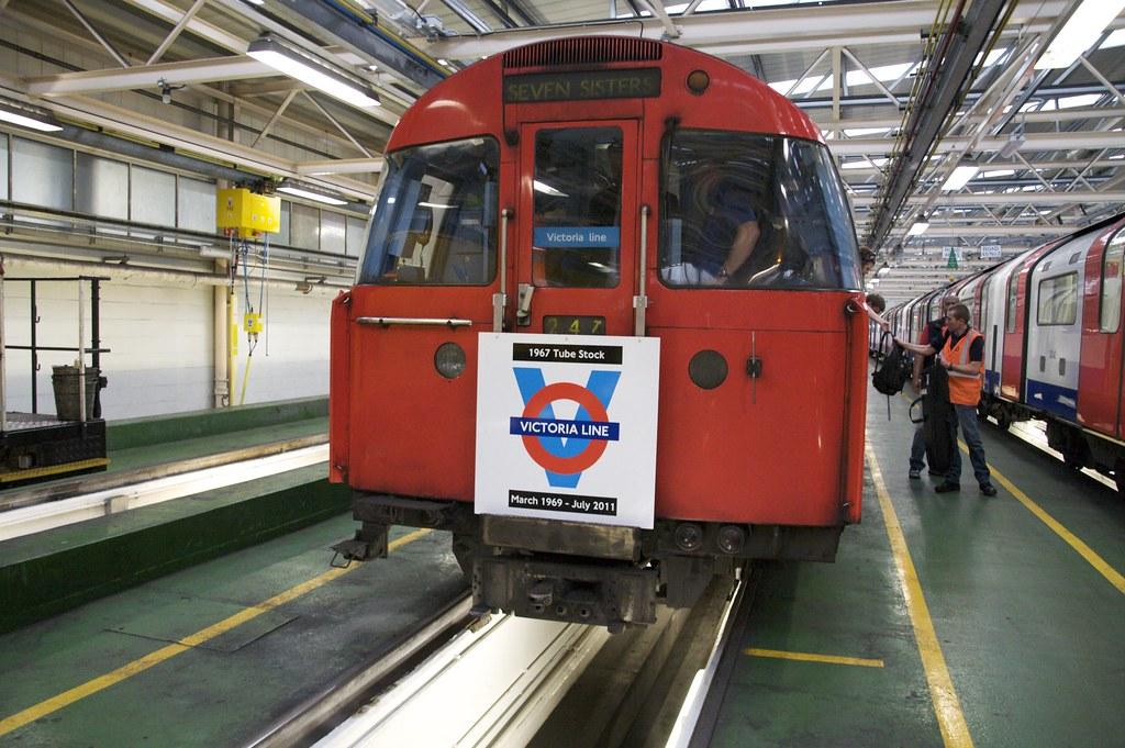 5912455767 0ae74e0bf8 b - The Victoria Line's really big 50th birthday! #2