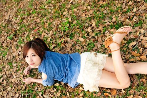 無料写真素材, 人物, 女性  アジア, 女性  横たわる・寝転ぶ, 台湾人, 人物  森林