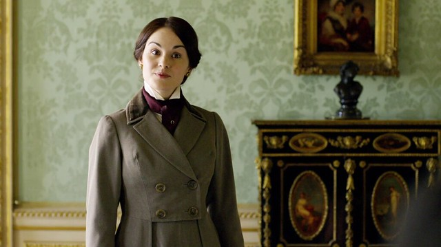 DowntonAbbeyS01E06_Mary_Ridingoutfit