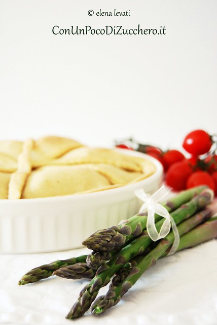 Chicken pie - asparagus and tomatoes