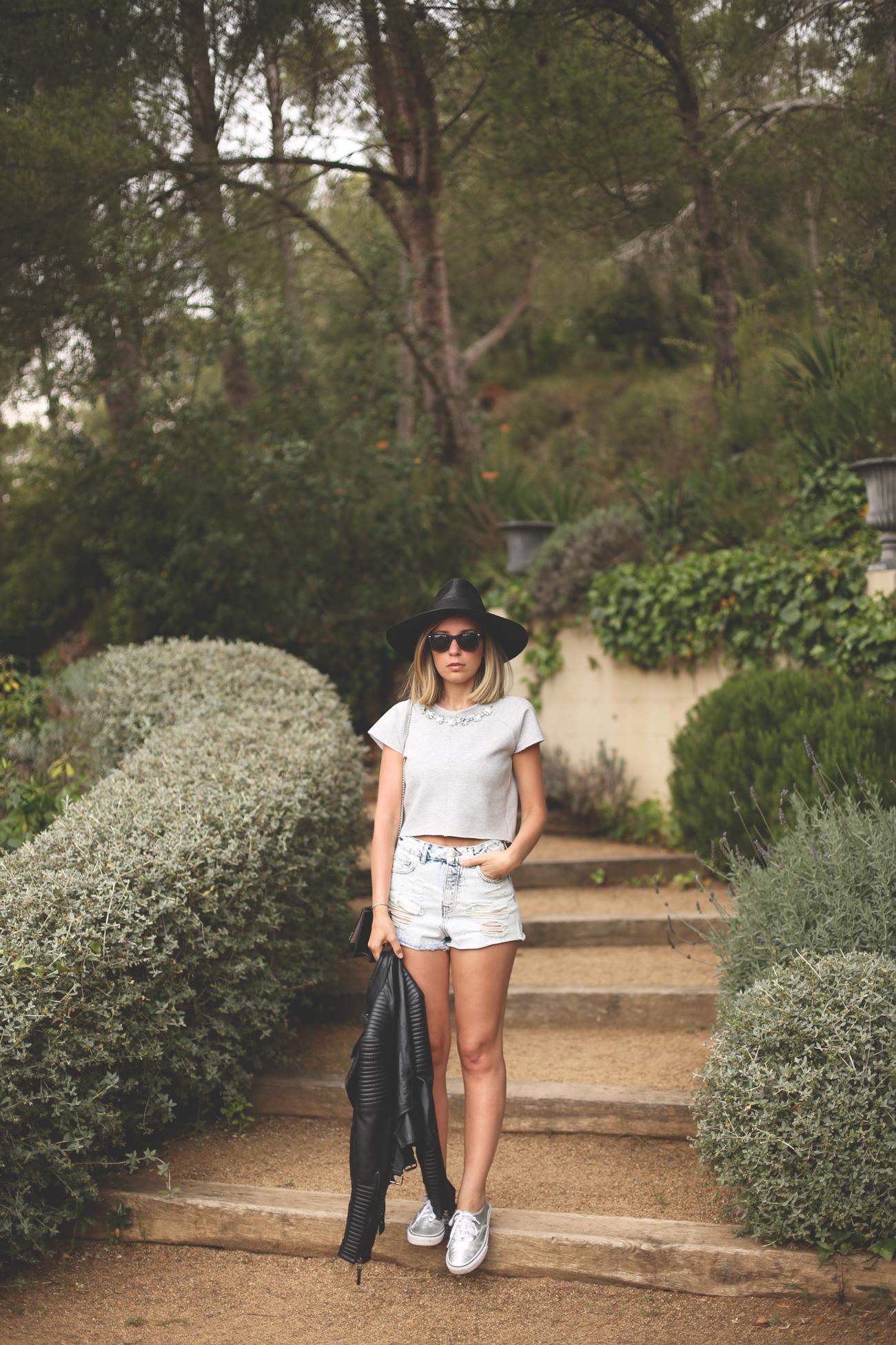 neoprene, denim shorts, fashion blogger, spanish blog, trendy blog, life style, my showroom, priscila betancort, blonde girl, blogger rubia, blog de moda,