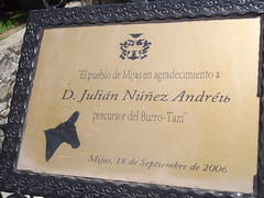 Photo of Julián Nuñez Andreu brass plaque