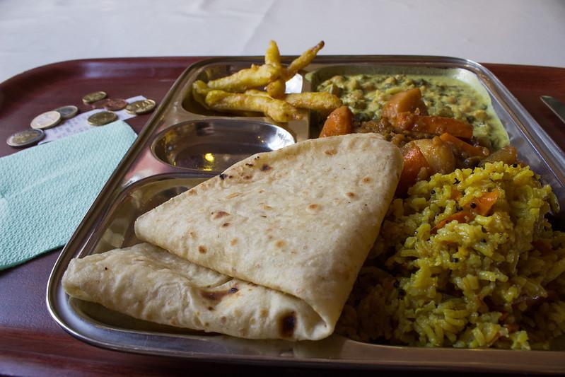 Essen im Rama (c) David Ehl
