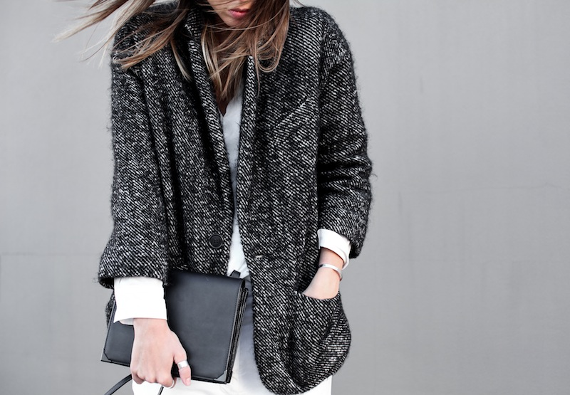 modern legacy blog street style off duty Isabel Marant cocoon coat wedge suede sneakers Bassike slouch Alexander Wang Prisma envelope clutch monochrome black white blogger balayage hair oversized minimalist ii (2 of 5)