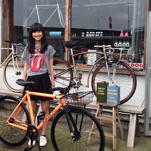 Durcus one Master track bikeをお買い上げ頂きました。彼女は僕の幼馴染みの長女。美人さんです。親子二代でお付き合い頂いてます。