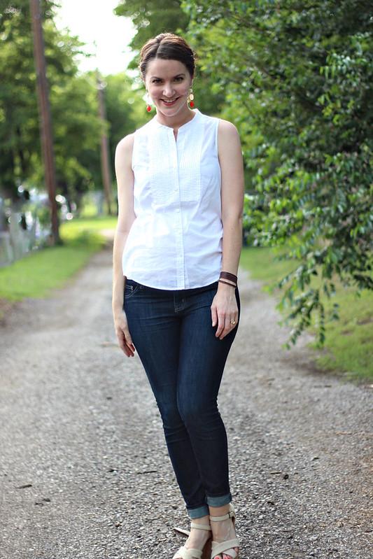 white-tank-blouse-jeans-3