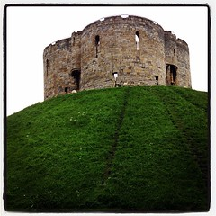 Built by William the Conqueror, who coined the phrase 'a man 's home is his castle'