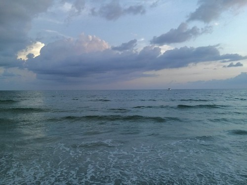 beach clouds bluewater saintpetersburgflorida thegulfofmexicoflorida
