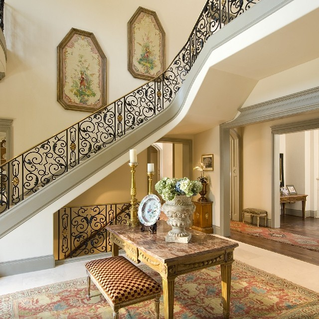 French Classical foyer and staircase in a french classical style Architecture by Richard Drummond Davis Architects