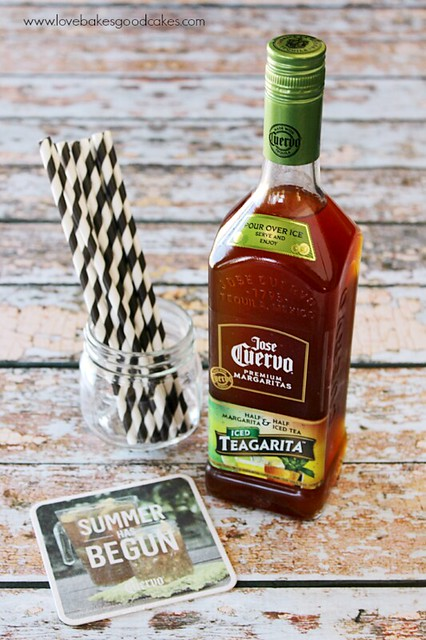 Jose Cuervo Iced Teagarita consists of our classic lime flavored margarita, blended with Jose Cuervo Tequila and premium orange liqueur, then combined with refreshing iced tea. #CuervoTeagarita  #ad