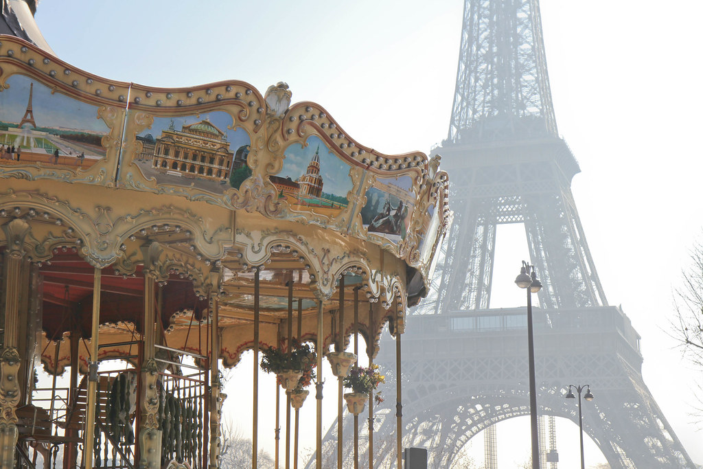 Carousel Eiffel Tower-4.jpg