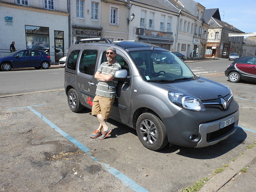 John and Renault Kangoo in Montoire-sur-le-Loir
