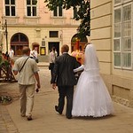 looking for the perfect wedding photo spot in Market Square
