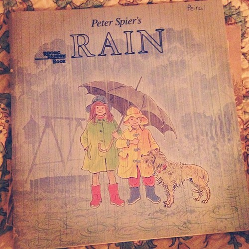 And the perfect book for a rainy day too! #rain #rainyday #book #peterspier