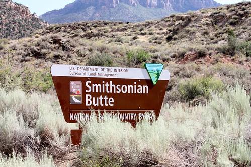 Smithsonian Butte Road