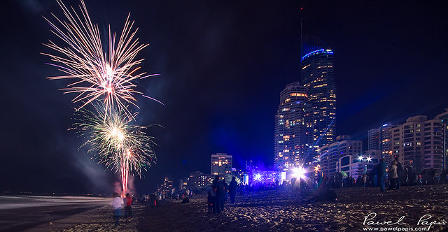 fireworks in surfers paradise
