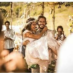 À flor da pele... VELHO CHICO emocionando o país inteiro...  #aplausoblogauroradecinema  #blogauroradecinemaaplaude  #blogauroradecinemaemocionado #velhochico:cactus::heart: #tvglobo @redeglobo #santo #ausencia #perda #dor #luto #casamento #domingosmontag