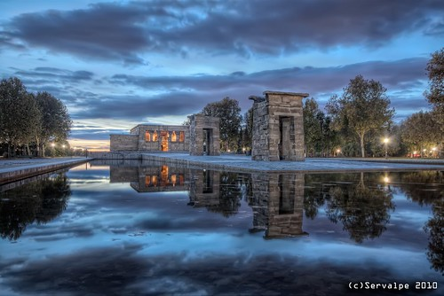 madrid halloween water architecture canon reflections temple pond arquitectura agua sigma gods estanque bluehour 1020 hdr templo reflejos highpass topaz debod adjust sigma1020mm noiseware photomatix tonemapped eos450d canoneos450d servalpe
