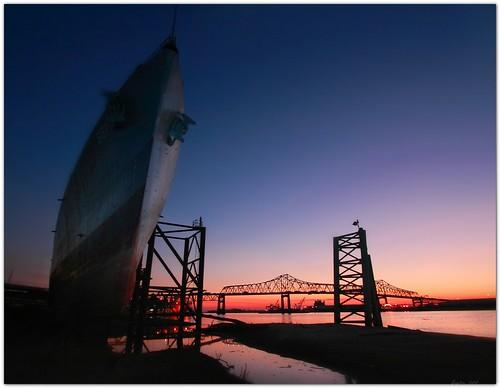 sunset boat dock louisiana ship mississippiriver riverfront bluehour warmemorial 10mm canonefs1022mmf3545usm usskidd mrgreenjeans gaylon mississippiriverbridge downtownbatonrouge gaylonkeeling