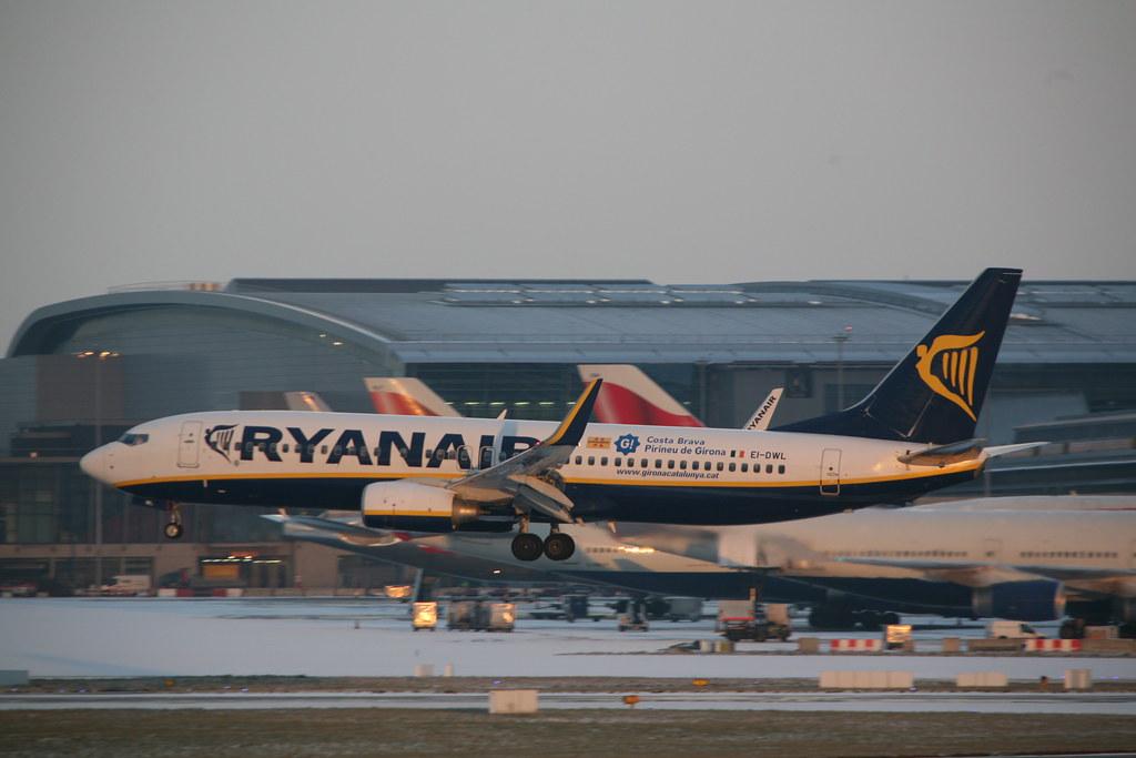 EI-DWL - B738 - Ryanair