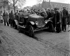 11-30-1951_10061 Oude Ford