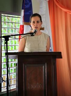 Adriana Cisneros durante la inauguración de CCI de Indotel Escuelas La Mina y El Cedro en República Dominicana