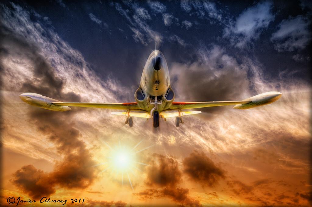Flying by javirunner