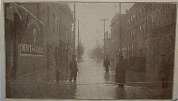 Sharon, PA (1913) - Vine Avenue - Flood