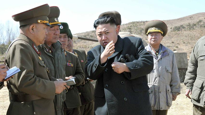 Kim Jong-un giving military advice