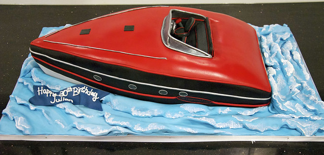 Speed Boat Cake http://www.flickr.com/photos/torontocakes/5241867885/