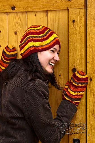 Mille-Feuilles Hat and Mitten Set